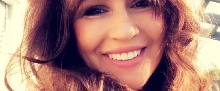 Beata Tadla dodała zdjęcie w windzie, ale uwagę zwróciły jej usta. Fan zapytał wprost: Czyżby jakiś kwasik w ustach?