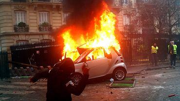 Zamieszki antyrządowe w centrum Paryża, 1 grudnia 2018.