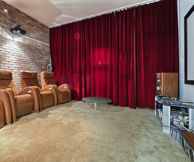 Dobrej jakości sprzęt audiowizualny i wygodne fotele - to ważne elementy kina domowego