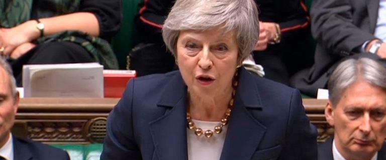 Theresa May z wotum zaufania. Posłowie zagłosowali za szefową rządu