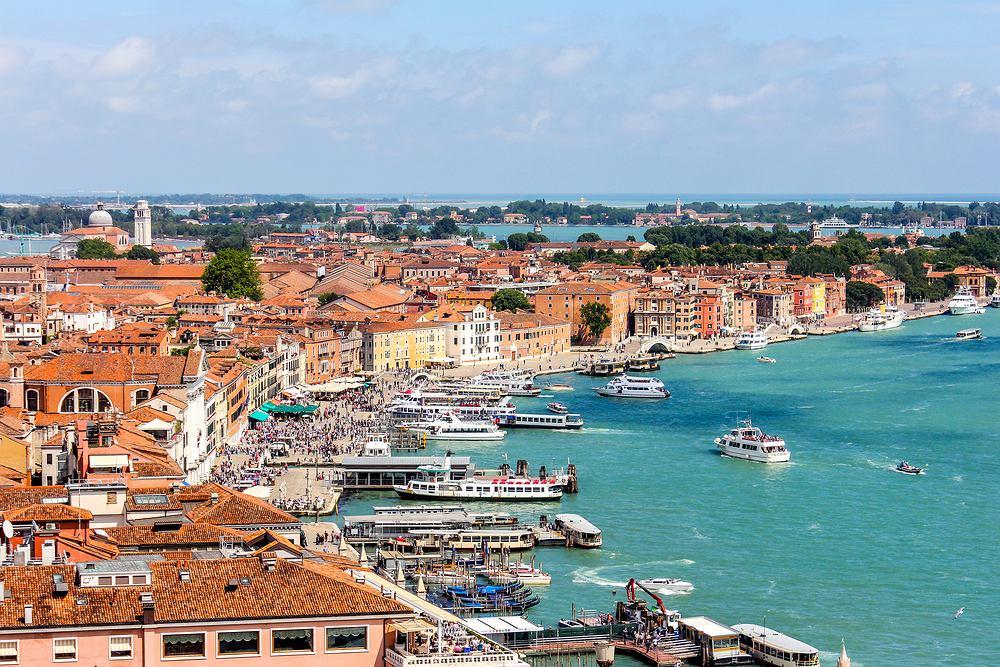 Wenecja - port. Zdjęcie ilustracyjne