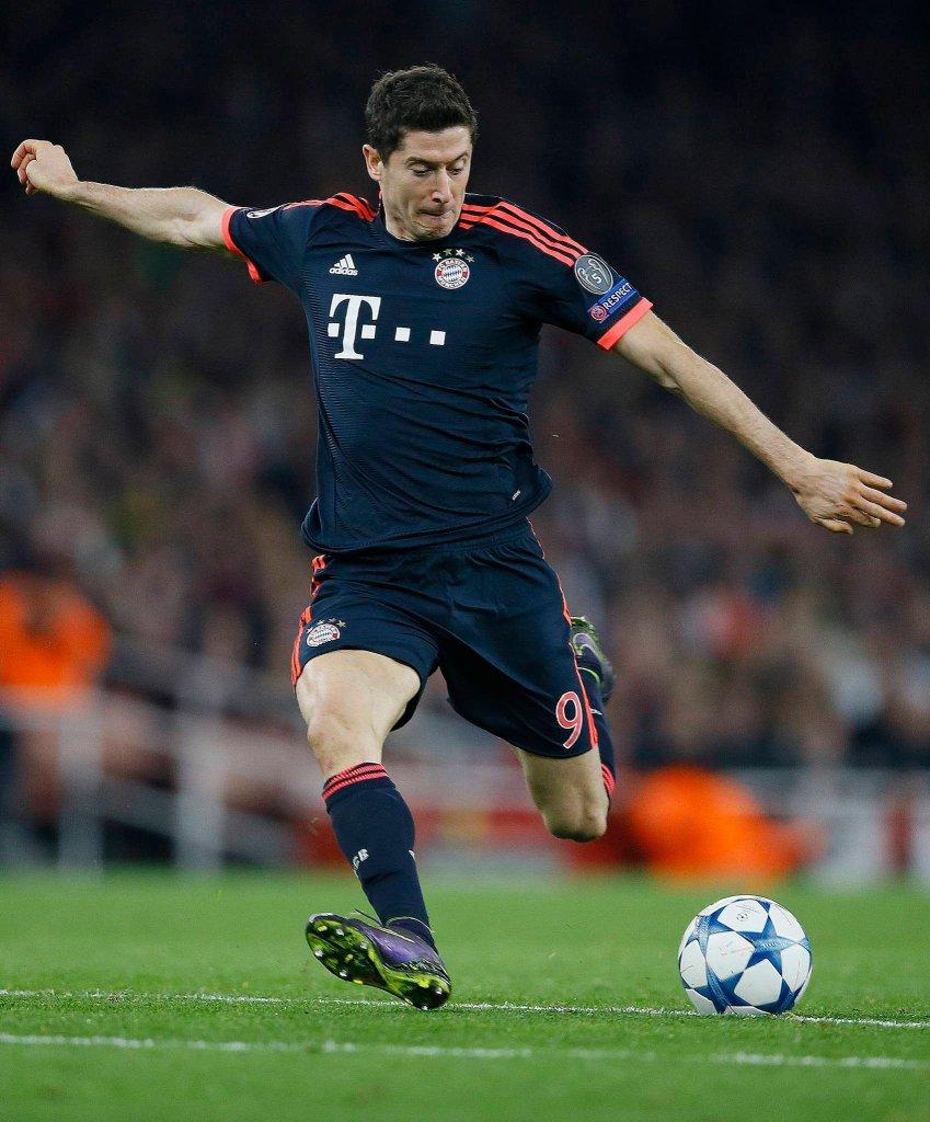 Arsenal - Bayern 2:0. Robert Lewandowski