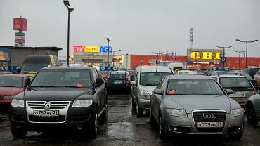 Rosjanie z obwodu Kaliningradzkiego na zakupach w Trójmieście. Gdańsk, CH Matarnia
