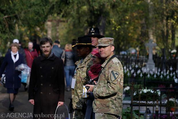 Zdjęcie numer 0 w galerii - Rekordowa kwesta. Na cmentarzu św. Jerzego w Toruniu udało się zebrać 23,5 tys. zł