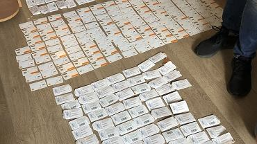 Policja zabezpieczyła ponad 1900 kart SIM