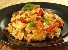 Kurczak z makaronem po chińsku - ugotuj
