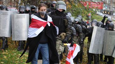 Mińsk: ponad 700 zatrzymanych protestujących podczas niedzielnych protestów