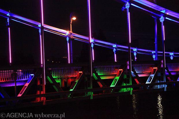 Zdjęcie numer 9 w galerii - Most Grunwaldzki nocą z nowymi światełkami. Jak Wam się podoba? [ZDJĘCIA]