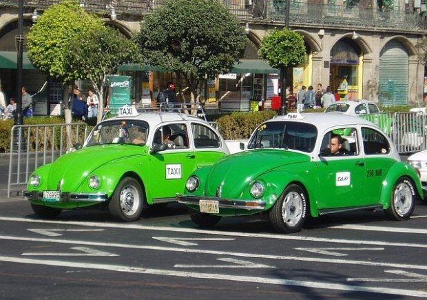 Jeszcze kilkanaście lat temu Volkswagen Garbus był najpopularniejszą taksówką w Meksyku