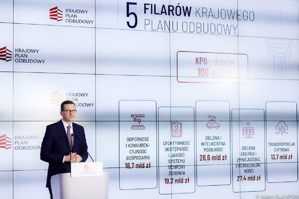 Premier Mateusz Morawiecki podczas prezentowania Krajowego Planu Odbudowy