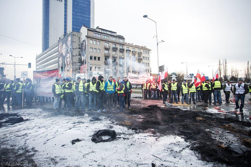 z24542866IH,Protest-rolnikow-na-Placu-Za