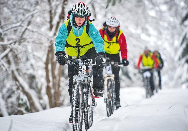 sport, Wyzwanie dla twardzieli: adventure racing, Justyna Frączek (Salewa Trail Team) - kiedyś ścigała się z Mają Włoszczowską - teraz odmienia hard core przez wszystkie przypadki.