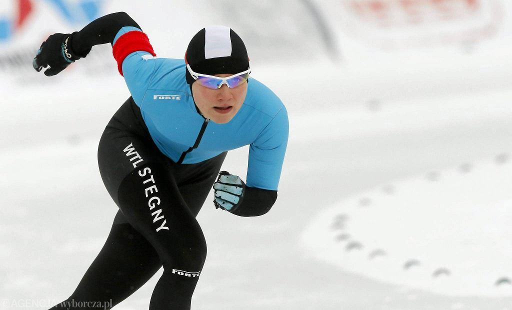 Warszawa. Srebrna medalistka igrzysk w Soczi Katarzyna Woźniak na torze na Stegnach