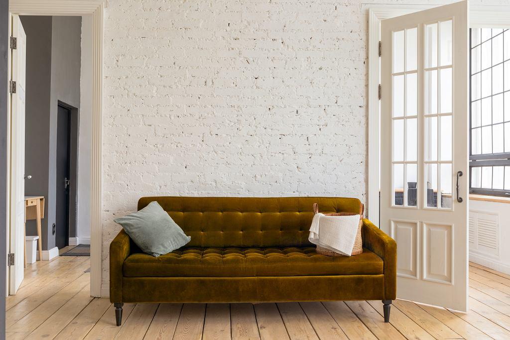 Sofa tapicerowana.