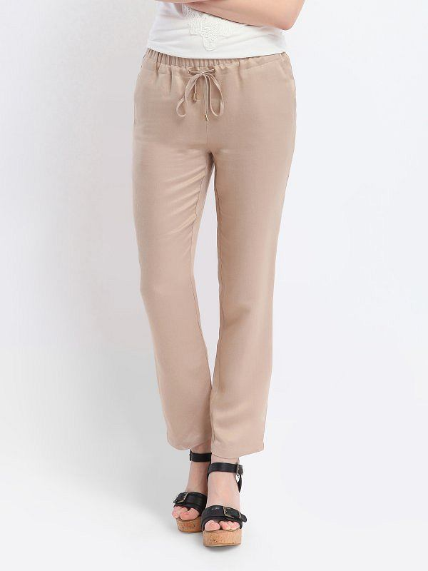 3ad94000cdaf19 Nowoczesne spodnie dresowe na lato - do 200 zł