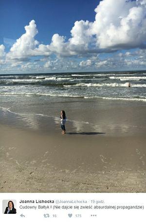 Joanna Lichocka nad morzem. Wakacje 2016