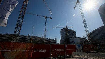Na pierwszym planie III etap inwestycji Nowe Centrum Południowe (mieszkania), na drugim biurowe centrum Południowe firmy Skanska