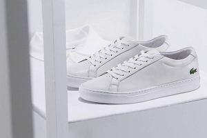 Stwórz zestaw z klasą! Wybierz sneakersy marek premium w kolorze białym