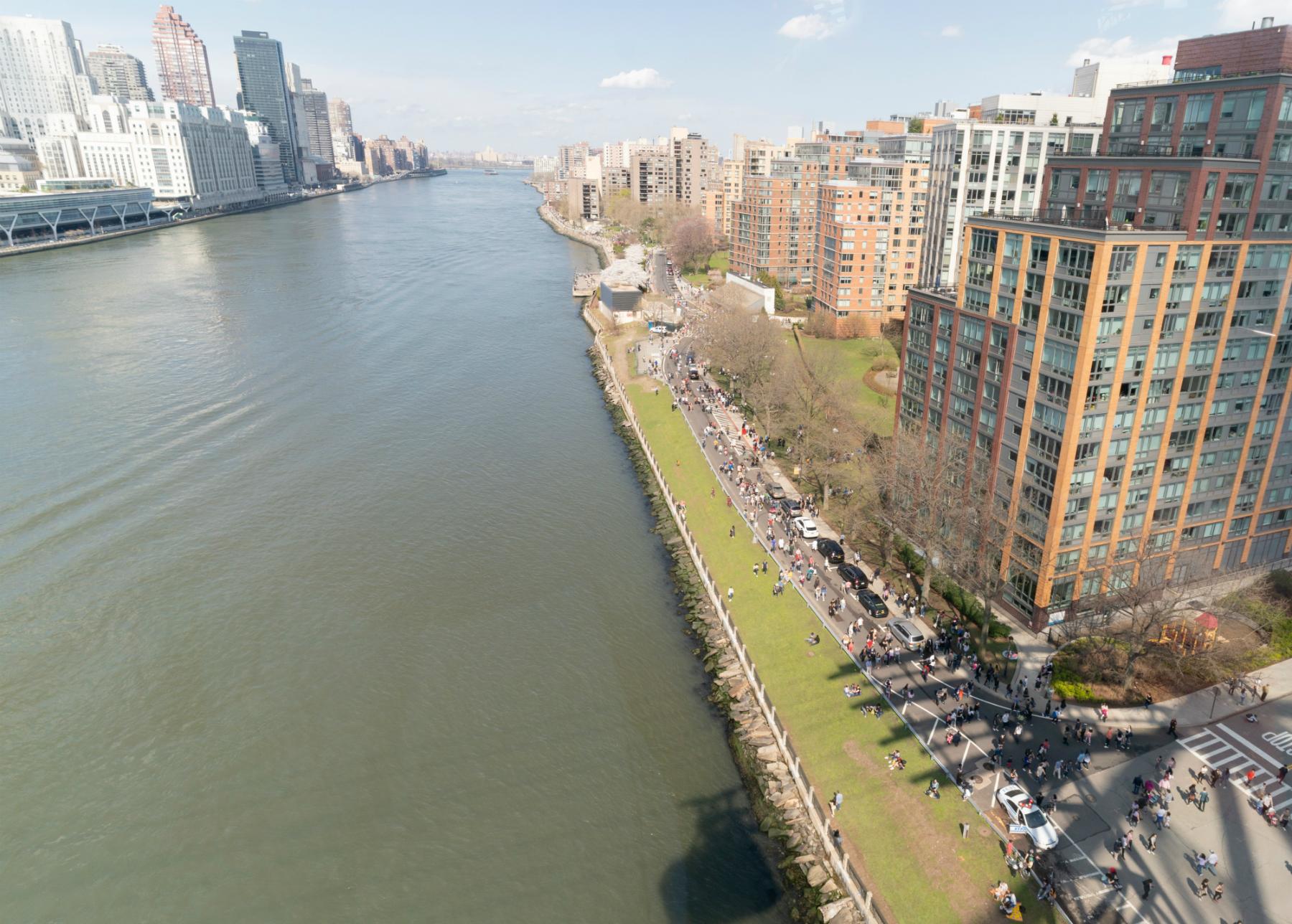 Nazwę wyspy zmieniono w 1973 roku na wyspę Roosevelta. W 1968 roku wyspa została przeznaczona na użytek mieszkaniowy, w tej chwili żyje tam około 12 tysięcy ludzi (fot: Shutterstock.com)