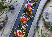 Polędwiczka wieprzowa z młodym pasternakiem i porzeczką - ugotuj