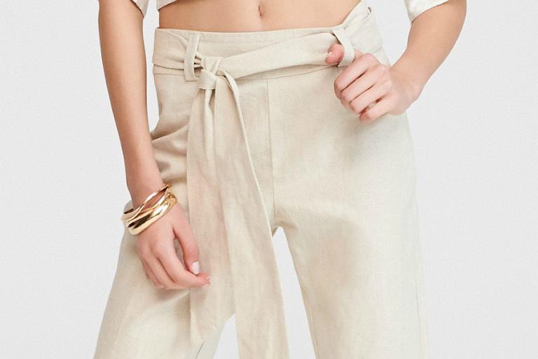 e4c7bdf016bbe1 Spodnie na lato z Reserved. Modele z delikatnych i przewiewnych materiałów