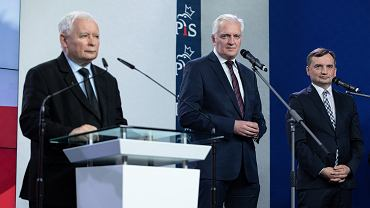 Sondaż w sprawie Zjednoczonej Prawicy. Na zdjęciu: Jarosław Kaczyński, szef PiS, Jarosław Gowin, szef Porozumienia oraz Zbigniew Ziobro, lider Solidarnej Polski