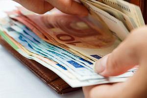 Jak założyć konto za granicą? Czy za granicą wystarczy mieć polskie konto walutowe?