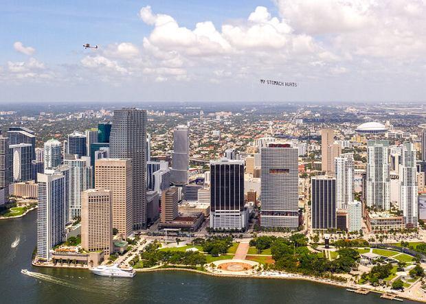 'Boli mnie brzuch' - ostatnie słowa George'a Floyda zawisły nad Miami