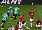 Legia Warszawa rozbiła Wisłę choć przegrywała. VAR zabrał gola