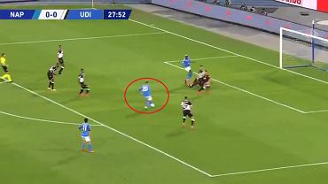 Piotr Zieliński strzela gola w meczu z Udinese