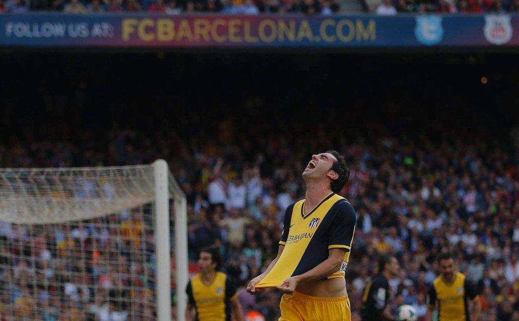 Diego Godin raduje się po strzeleniu bramki wyrównującej.