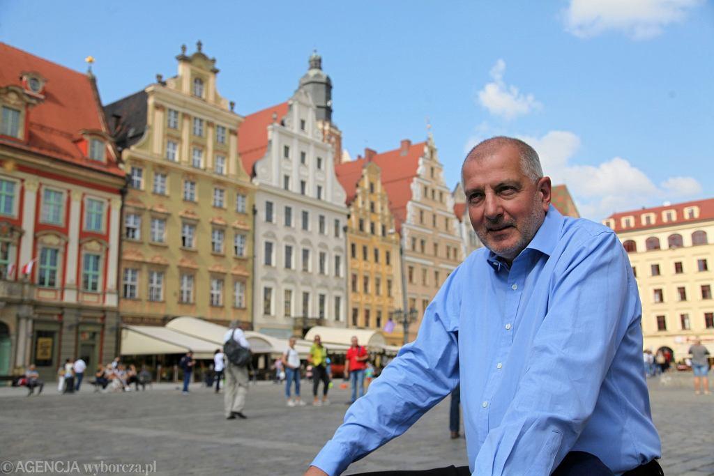 Wybory samorządowe 2018 we Wrocławiu. Rafał Dutkiewicz nie kandyduje, ale został twarzą kampanii wyborczej swojego komitetu