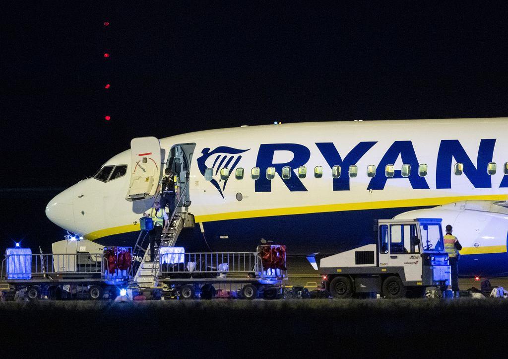 Samolot Ryanair na lotnisku w Berlinie