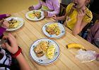 Sprawdziliśmy szkolne obiady. Dietetycy alarmują: Za tłusto i za słodko! [ZDJĘCIA]