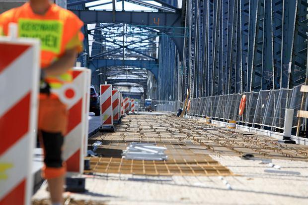 Zdjęcie numer 15 w galerii - Dziennikarze sprawdzali, jak przebiega rozbudowa starego mostu za 123 mln zł [GALERIA]