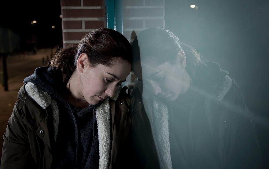 W chorobie afektywnej dwubiegunowej mania przeplata się z depresją (zdjęcie ilustracyjne - iStockphoto.com)
