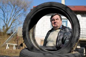 Komornik, który sprzedał opla za 142 zł, staje przed sądem