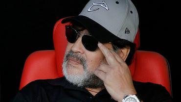 Maradona był zabawką w rękach innych. Zarobił miliony, dostał w bonusie lwa.