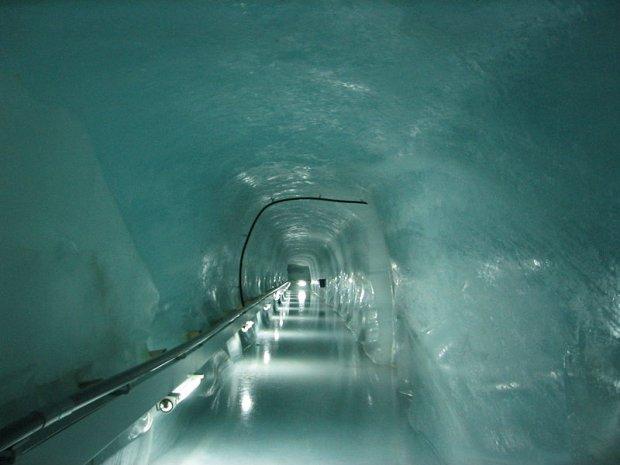 Jungfraujoch, tunel wykuty w ścianie Eigeru