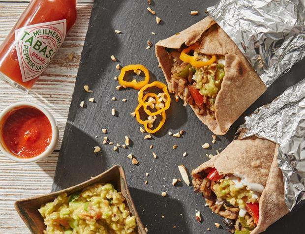 Burrito w wersji fit to doskonała propozycja dla miłośników kuchni meksykańskiej
