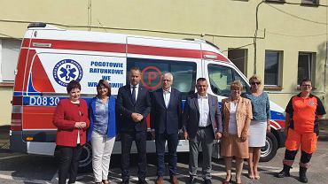 Wojewoda dolnośląski i wiceminister zdrowia podczas spotkania w Miliczu