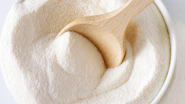 Mleko w proszku jest produktem wysokokalorycznym - w 100 gramach zawiera około 500 kcal