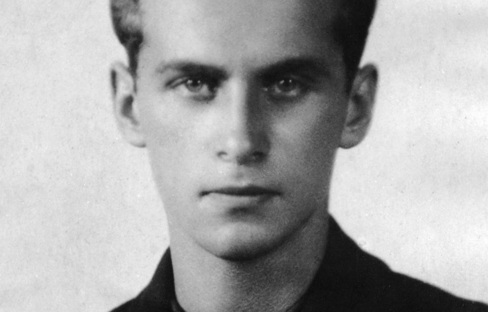 Dziewiętnastoletni Krzysztof Kamil Baczyński. 22 stycznia tego roku minęła setna rocznica urodzin najwybitniejszego poety czasu okupacji, z tej okazji 2021 został ogłoszony Rokiem Baczyńskiego