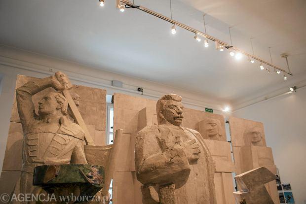 Królikarnia. Wystawa poświęcona stuletniej historii pomników z Europy Środkowo-Wschodniej.