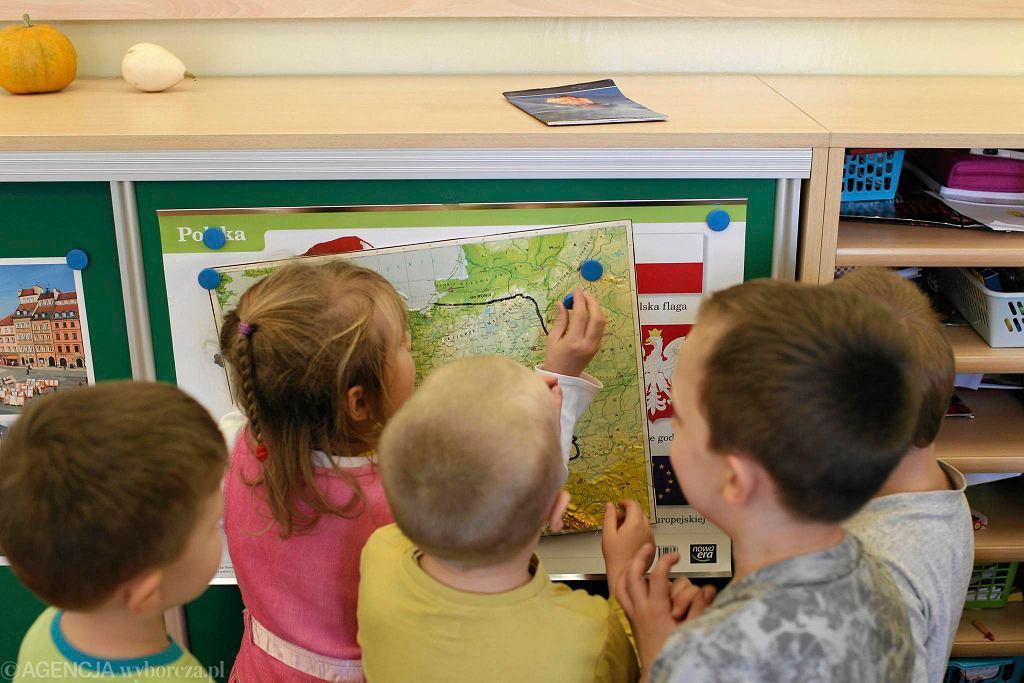 Kto będzie uczył dzieci w przedszkolach?