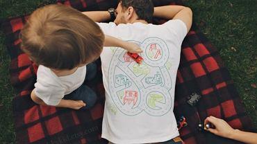 Koszulka z kolekcji www.etsy.com. Cena: ok. 70 zł