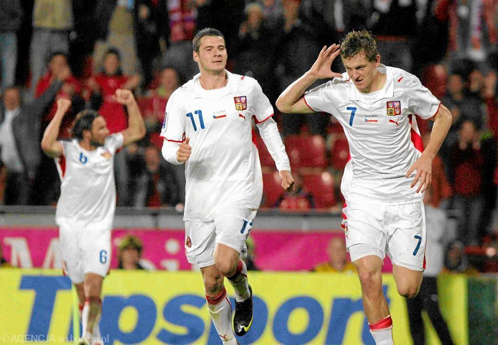 Tomáš Necid (z prawej) podczas meczu reprezentacji Czech