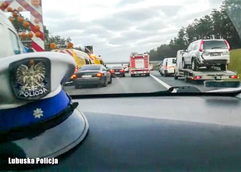 Świebodzin. Policja chwali kierowców. Utworzyli wzorowy korytarz życia