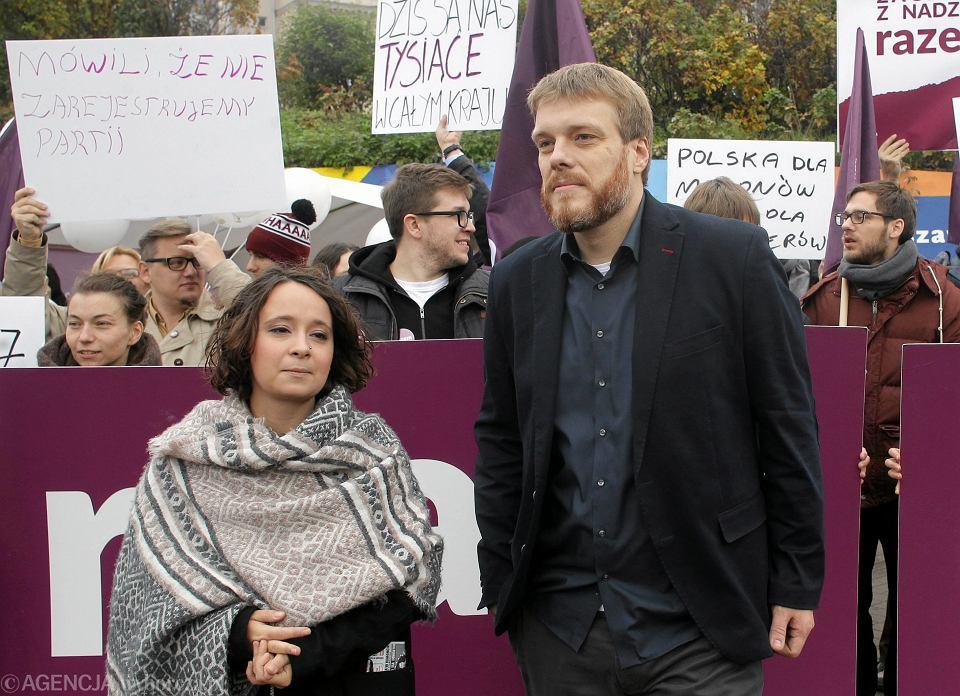 66b883fb3d8b28 Partia Razem nie idzie na demonstrację KOD.