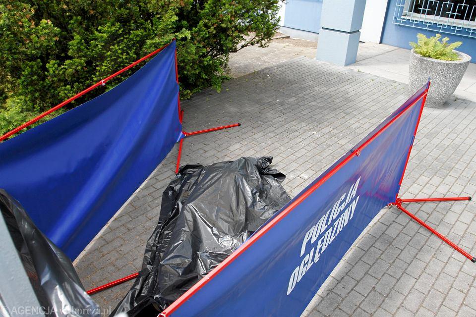 Samobójca - skoczył z okna komendy miejskiej przy ul. Grudziądzkiej. Toruń 30 maja 2014